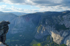 Hanging rock, Yosemite Falls, Yosemite Valley. Stock Photo