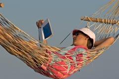 Hangmat op het strand Royalty-vrije Stock Afbeeldingen
