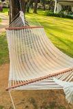 Hangmat op het strand Stock Foto's