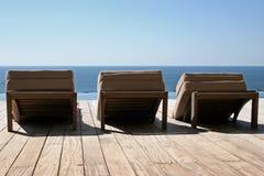 Hangmatten op houten terras stock foto's