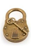 Hangslot en sleutel die op wit wordt geïsoleerde royalty-vrije stock foto's