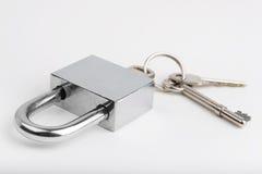 Hangslot en sleutels Stock Foto