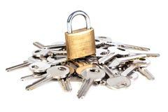 Hangslot en sleutels Stock Fotografie