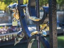 Hangsloten van liefde Royalty-vrije Stock Foto