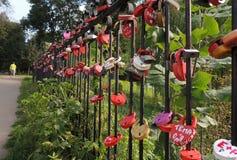 Hangslotenreeks - een symbool van liefde en loyaliteit Royalty-vrije Stock Afbeeldingen