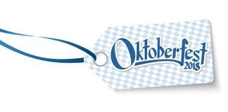 hangtag с zum Oktoberfest 2018 Willkommen текста иллюстрация вектора
