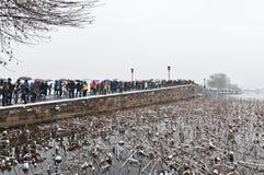 Hangzhou överbryggar unmelted snows på brutet. Royaltyfria Bilder
