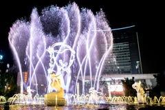 Hangzhou belichtete errichtendes Wishan-Quadrat Stockbilder
