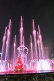 Hangzhou iluminó noche de la demostración de la música de la fuente de agua Fotos de archivo libres de regalías