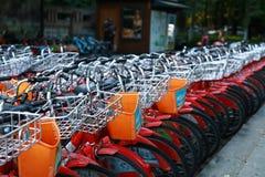 Hangzhou-Stadt-Fahrräder stockbilder