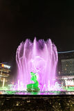 Hangzhou upplyst byggande Wishan fyrkant Arkivbild