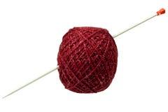 Hank des amorçages percés en tricotant le rai Images libres de droits