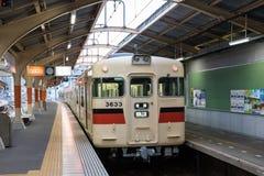 Hankyu-Sannomiya linia lokalny pociąg Zdjęcie Stock