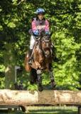 Hannah Bate för Houghton kallar den internationella hästförsök ridningen mig B Royaltyfria Foton