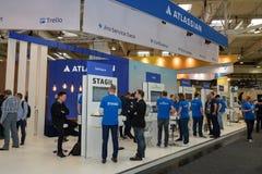 Hannover, Alemanha - 13 de junho de 2018: Cabine da empresa Atlassian imagens de stock