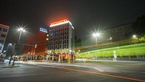 Hannover, Alemanha - 24 de outubro de 2016: Opinião da rua de Hannover na noite Fotos de Stock Royalty Free