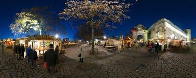 HANNOVER, ALEMANIA - 29 DE NOVIEMBRE DE 2011: Mercado tradicional de la Navidad en Hannover vieja Imagenes de archivo