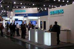 Stand von Siemens am 9. März 2013 in der CEBIT-Computerausstellung Stockfotografie