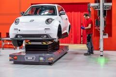 Hannover, Germania - 2 aprile 2019: CUCIA Eurodrive sta presentando la produzione di nuova E elettrica VA l'automobile al fotografie stock libere da diritti