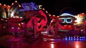 Hannover, Germania - 6 luglio 2017: Hannover Schuetzenfest a Hannover in Germania è la più grande luna park del ` s dei tiratori  stock footage