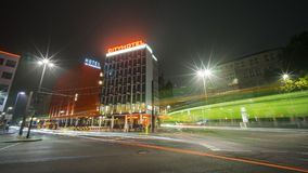 Hannover, Germania - 24 ottobre 2016: Vista della via di Hannover alla sera Fotografie Stock Libere da Diritti