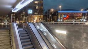 Hannover Niemcy, Styczeń, - 16, 2019: Ranku ruch drogowy na Aegi kwadracie w Hannover Niski Saxony Niemcy zbiory wideo
