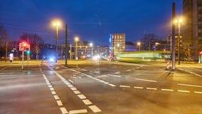Hannover-Straßenansicht am Winterabend Geschossen auf Kennzeichen II Canons 5D mit Hauptl Linsen stock video footage
