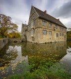Hannover Tyskland - November 21, 2016: gammal medeltida slott i Tyskland Royaltyfri Fotografi