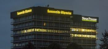 Hannoversche Allgemeine Zeitung hus HAZ är en tysk tidning Arkivfoton