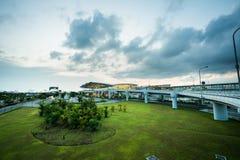 Hanoï, Vietnam - 10 juin 2017 : Noi Bai International Airport au crépuscule avec du T2 de Hall, le plus grand aéroport au Vietnam Photo stock