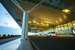 Hanoï, Vietnam - 10 juin 2017 : Noi Bai International Airport au crépuscule avec du T2 de Hall, le plus grand aéroport au Vietnam Photos stock
