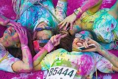 Hanoï, Vietnam - 23 septembre 2015 : Le groupe d'adolescents prenant la photo à la couleur publique courent l'événement dans la c Images stock