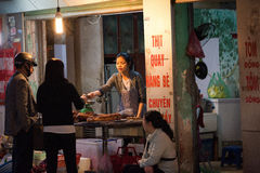 HANOI, VIETNAM - FEBRUARY 2, 2015: Traditional asian market sale Royalty Free Stock Photography