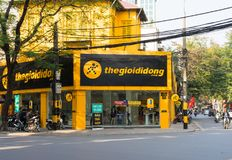 Hanoi, Vietnam - Jan 1, 2015: Front view of thegioididong, the biggest retail smartphone company in Vietnam, on Le Dai Hanh street.  Royalty Free Stock Image