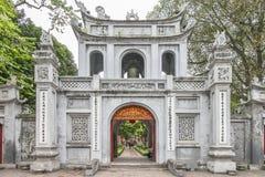 Hanoi, Vietnam 26 Januari 2016: De Tempel van Literatuur in Han Stock Afbeeldingen