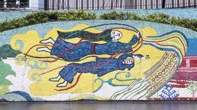 Hanoi VIETNAM - JANUARI 12, 2015 - keramisk mosaikväggmålning i Hanoi arkivbild