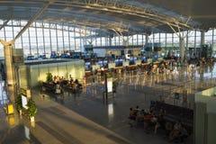 Hanoi, Vietnam - 12. Juli 2015: Breite Ansicht von Hall von Noi Bai International Airport, der größte Flughafen in Nord-Vietnam,  Stockfoto