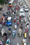 Hanoi, Vietnam - 26. Juli 2016: Vogelperspektive des Verkehrs in Tay Son-Straße, Hanoi Stockfoto