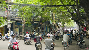 HANOI, VIETNAM - MAI 2014: Alltagsleben auf Straße Stockfoto