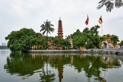 Hanoi, Vietnam - Mai 01, 2019: People visit Tran Quoc Pagoda on West Lake the oldest Buddhist temple in Hanoi stock photos