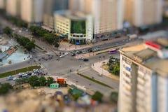 Hanoi Vietnam - 01 Maj, 2015: Folket går i gatan efter arbetsdagen Royaltyfri Fotografi