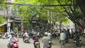 HANOI, VIETNAM - MEI 2014: het dagelijkse leven op straat Stock Foto