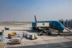 HANOI VIETNAM - NOV2,2017 : vietnam airline plane loading flight Stock Images
