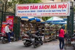 Hanoi, Vietnam - 16. November 2014: Außenansicht des Buchladens nannte Hanoi-Buch Mitte in Dinh Liet-Straße Der Verkauf auf Bürge Lizenzfreie Stockfotografie