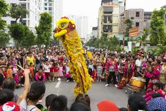 Hanoi, Vietnam - Sept 8, 2014: A show of dragon and lion dance performed at lunar mid autumn festival at Times City Complex. This. Is a form of traditional Stock Images