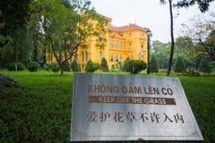 Hanoi, Vietname o 12 de março:: Construção, estilo do francês da casa do governo Imagens de Stock Royalty Free