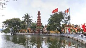 Hanoi, Wietnam: Luty 23, 2016: Tranu Quoc pagoda stara Buddyjska świątynia w Hanoi Obraz Stock