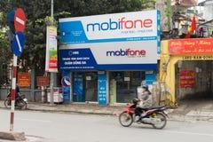 Hanoi Wietnam, Mar, - 15, 2015: Zewnętrzny widok Mobifone agencja w Nguyen Luong uderzenia ulicie Mobifone jest jeden 3 su duży t fotografia stock