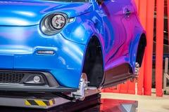 Hanover, Duitsland - April 02 2019: NAAI Eurodrive voorstelt de productie van nieuw elektrisch E GA auto bij royalty-vrije stock afbeelding
