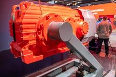 Hanover, Duitsland - April 02 2019: NAAI Eurodrive voorstelt de productie van nieuw elektrisch E GA auto bij royalty-vrije stock foto's